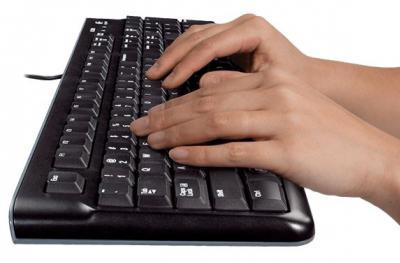 LOGITECH Set klávesnica a myš MK220 US